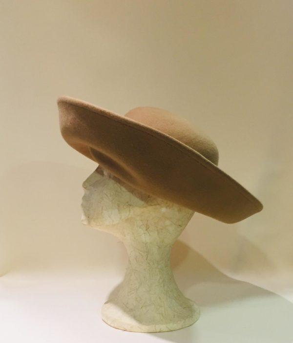 Cristina Cendoya. Sombreros