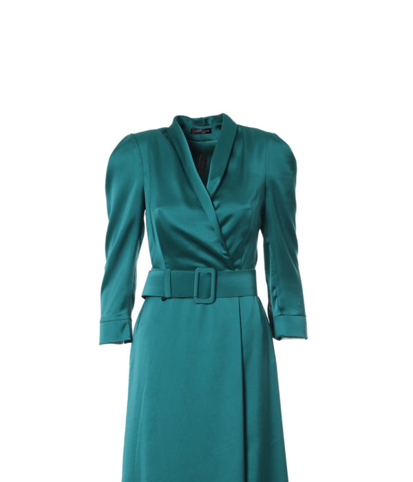 vestido largo de color verde,delantero